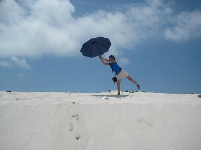 Nơi đây, gần như là nơi duy nhất ở miền Bắc có rất nhiều cồn cát thênh thang, lộng gió, rộng ngút tầm mắt.