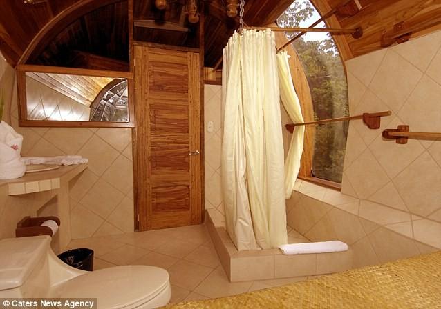 Các thiết bị trong phòng tắm đều đạt tiêu chuẩn khách sạn hàng đầu tại Costa Rica.