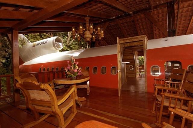 Khu vực ngắm cảnh được thiết kế phía ngoài máy bay, và đủ chỗ cho 20 người sử dụng cùng lúc.