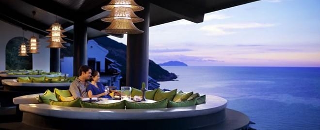 Nội thất sang trọng, ẩm thực thượng hạng với các hình thức giải trí phong phú đem lại cho du khách những trải nghiệm tuyệt vời.