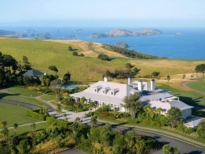 Tìm sự riêng tư ở khách sạn Lodge tại vách đá Kauri, một khu nghỉ dưỡng có diện tích 24.000 m2 nằm ở vùng đồng quê New Zealand.