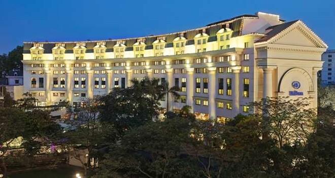 7. Khách sạn Hilton Opera, số 1 Lê Thánh Tông, Hoàn Kiếm Hà Nội. Thuộc tập đoàn Hilton nổi tiếng, khách sạn đẳng cấp thế giới đã nhận được giải thưởng