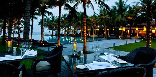 Khu nghỉ dưỡng Nam Hải, Hội An, Việt Nam: Đây là một khu nghỉ dưỡng toàn biệt thự nằm cạnh Hà My, một trong những bãi biển đẹp nhất Việt Nam. Kiến trúc độc đáo của khu nghỉ dưỡng này lấy cảm hứng từ lăng vua Tự Đức tại Huế.