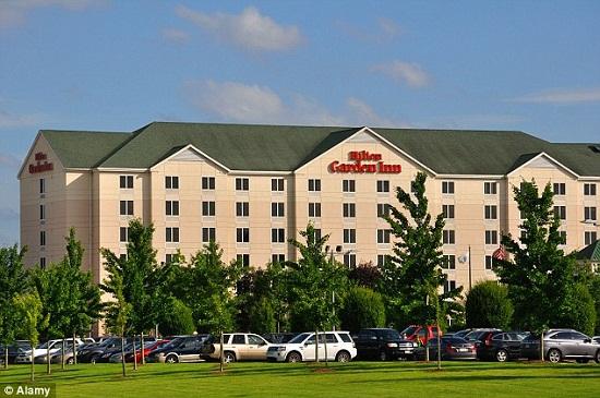 Những khách sạn 3 sao như Hilton Gardon Inn sẽ bị yêu cầu tiêu chuẩn cao hơn về sự sạch sẽ và chất lượng dịch vụ