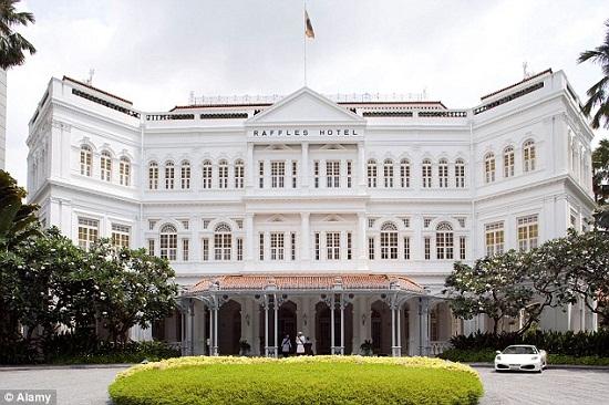 Khách sạn Raffles ở Singapore sẽ được đánh giá là khách sạn 5 sao dù nó ở bất cứ quốc gia nào