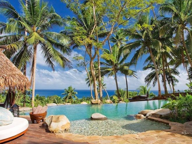 Khu nhà Hilltop, khu nghỉ dưỡng Laucala Island, Fiji: Khu nghỉ dưỡng Laucala Island thuộc sở hữu của tỷ phú Dietrich Mateschitz, với khu nhà Hilltop có giá tới 40.000 USD một đêm (900 triệu đồng).