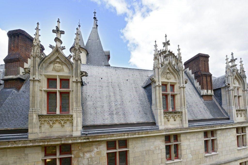Mãn nhãn căn hộ hai tầng có góc nhìn đẹp nhất Paris - 1