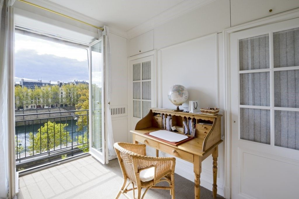Mãn nhãn căn hộ hai tầng có góc nhìn đẹp nhất Paris - 10