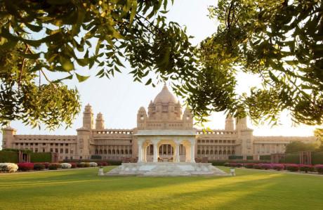 Dịch vụ đẳng cấp hoàng tộc tại khách sạn tốt nhất thế giới