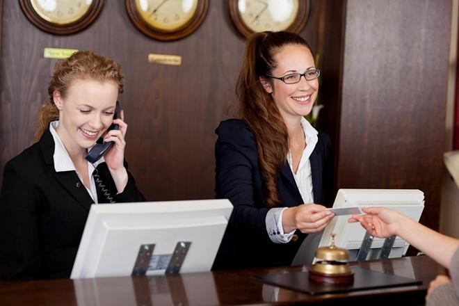 Những điều ít biết về nghề lễ tân khách sạn 5 sao