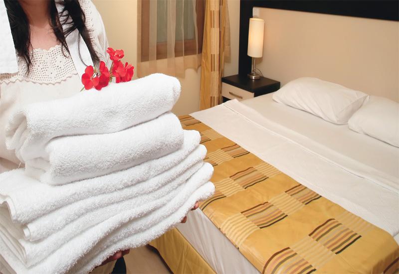 Giải quyết những yêu cầu của khách hàng trong thời gian khách ở tại khách sạn