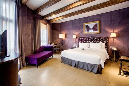 Quản lý khách sạn: Những cái bắt tay chiến lược - 1