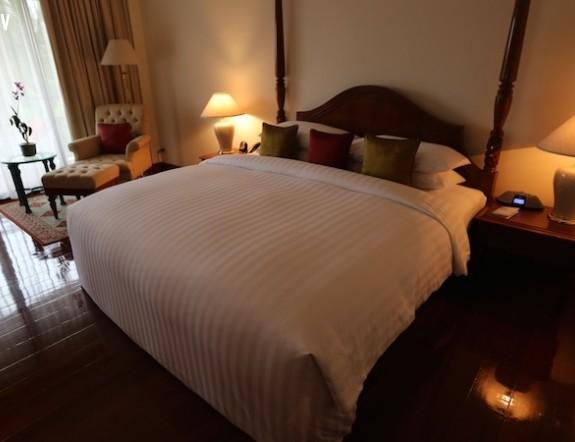 Giường khách sạn