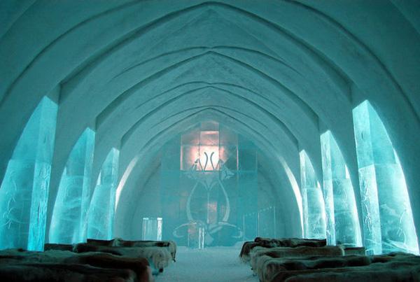 khách sạn kỳ lạ từ băng