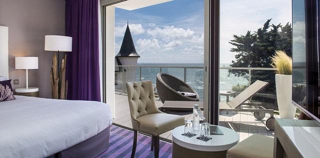 Phòng có quang cảnh đẹp tại khách sạn nơi ĐT Thụy Điển lưu trú.
