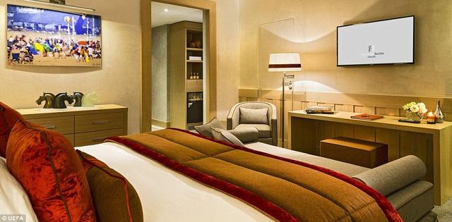 Các phòng khách sạn phục vụ đội tuyển tranh tài tại Euro 2016 đều đạt chuẩn quốc tế với các tiện nghi hiện đại.