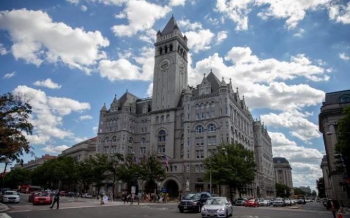 Khách sạn nằm ngay trên đại lộ Pennsylvania. (Ảnh:EPA)
