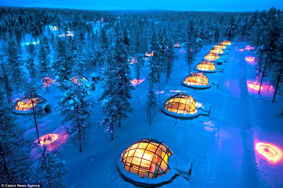 ''Ấm áp'' với khách sạn Kakslauttanen ẩn mình trong núi tuyết Bắc cực của Phần Lan