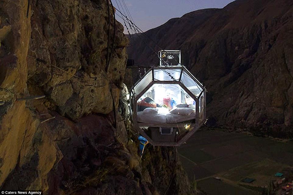 Giật mình với kiểu khách sạn mang phong cách không gian vũ trụ ở Peru