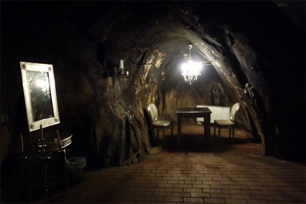 Khó tin khách sạn sang trọng nằm sâu trong mỏ bạc dưới lòng đất ở Thụy Điển