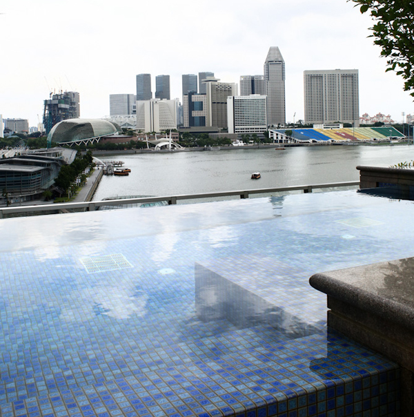 p10-Fullerton-Bay-Swimming.jpg