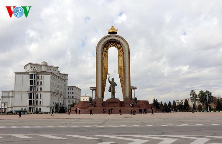 can canh khach san 4 sao noi dt viet nam se o tai tajikistan hinh 1