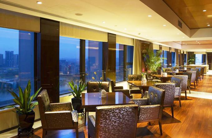 Du khách tới khách sạn Olympic Mingdu International Hotel có thể tham gia nhiều hoạt động thể thao như bơi lội ở bể bơi ngoài trời, đánh golf (sân golf cách đó không xa) hoặc tham gia nhiều hoạt động thể thao tại khu phức hợp Olympic ngay liền kề khách sạn.