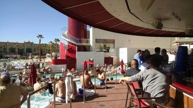 """Du khách """"té ngửa"""" trước hình ảnh khách sạn một trời một vực so với quảng cáo - Ảnh 12."""
