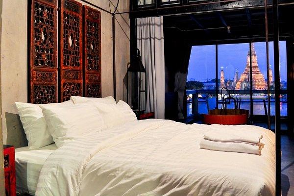 Khách sạn Inn A Day được cải biến từ nhà kho của một nhà máy đường bên bờ sông Chao Phraya.