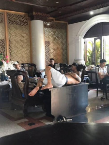 Nhiều người xăm trổ vào Hội An, vạ vật trong khách sạn để 'xử lý tranh chấp'