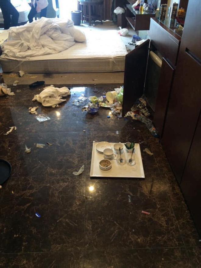Khách rời đi, nhân viên dọn phòng choáng váng chứng kiến bãi rác trong khách sạn  - Ảnh 4.