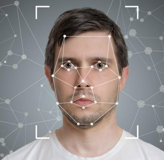 công nghệ nhận diện khuôn mặt trong thuê phòng khách sạn