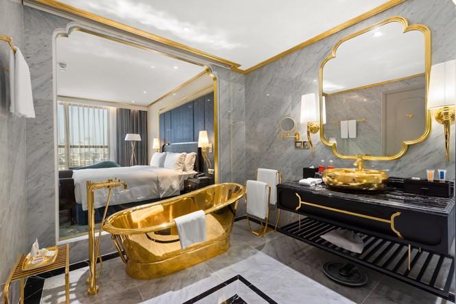 Khách sạn dát vàng lộng lẫy giữa lòng Hà Nội - ảnh 3