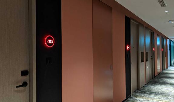 Bên trong khách sạn dành riêng cho khách du lịch tới Singapore công tác